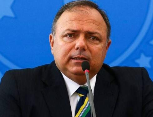 Ministro promete mais 230 milhões de doses de vacinas até julho
