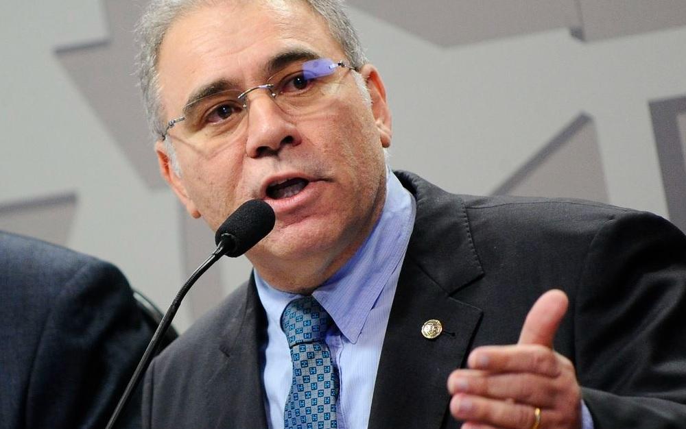 Queiroga diz que política é do governo Bolsonaro, não do ministro