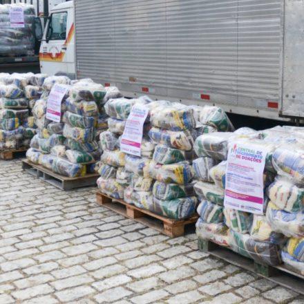 Fundo Social de Solidariedade de São Bernardo distribui 1.100 cestas para ambulantes e permissionários