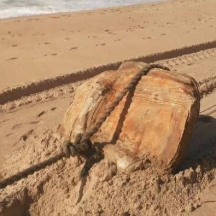 Duas novas caixas misteriosas são encontradas em praias de Salvador
