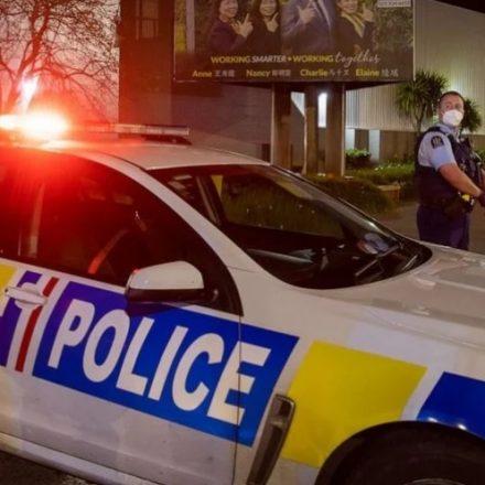 Terrorista é morto na Nova Zelândia após esfaquear 6 pessoas