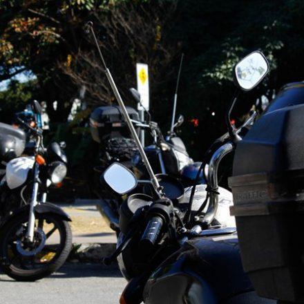 Governo de SP veta lei da 'antena corta-pipa' em motos