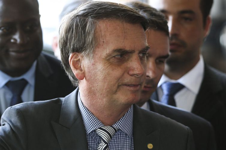 Bolsonaro se reúne hoje com assessor de Trump no Rio de Janeiro