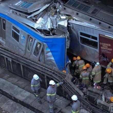 Colisão entre trens deixa ao menos oito feridos em São Cristóvão, no Rio de Janeiro