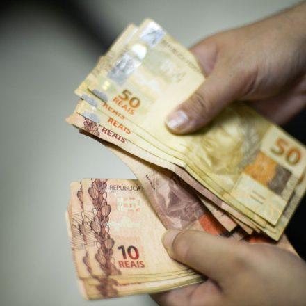 Pesquisa indica que homens são as principais vítimas de golpes financeiros