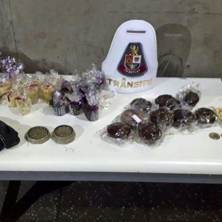 Mulher é presa vendendo doces com maconha em frente a estação do Metrô