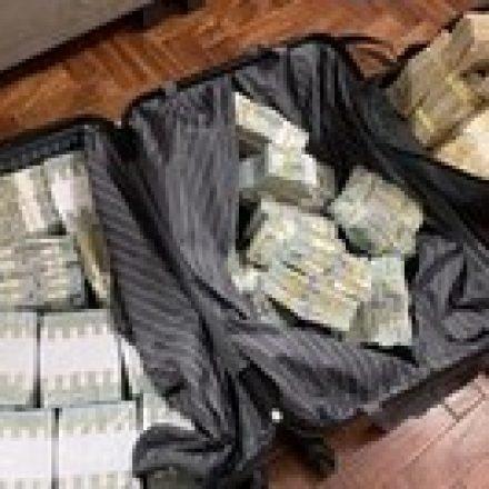 PF faz operações contra tráfico de drogas em portos brasileiros.