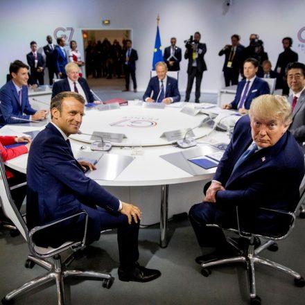 """G7 acorda sobre ajuda à Amazônia """"o mais rápido possível."""