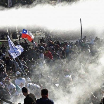 Número de mortos em protestos no Chile chega a 18, incluindo criança de 5 anos