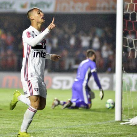 São Paulo volta a vencer e se aproxima de vaga na Libertadores