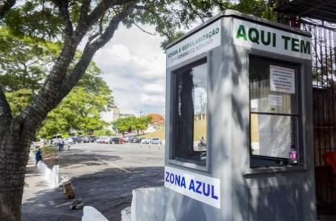 Settrans instala cabines de zona azul, em Cotia