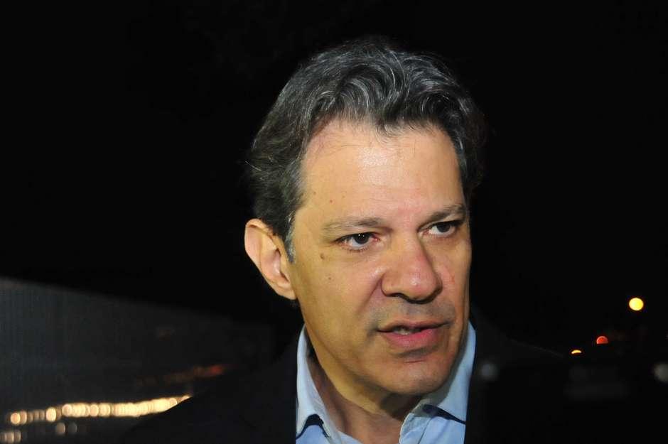 Haddad pede para ministros forçarem renúncia de Bolsonaro