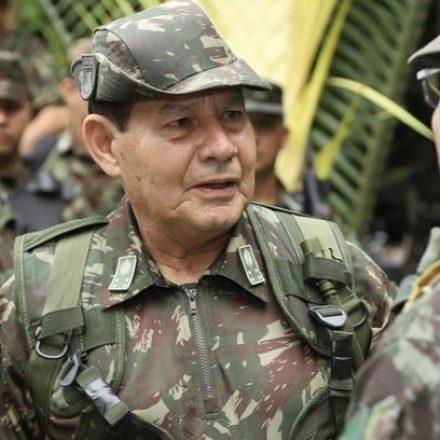 Mourão lembra Geisel e defende isolamento social