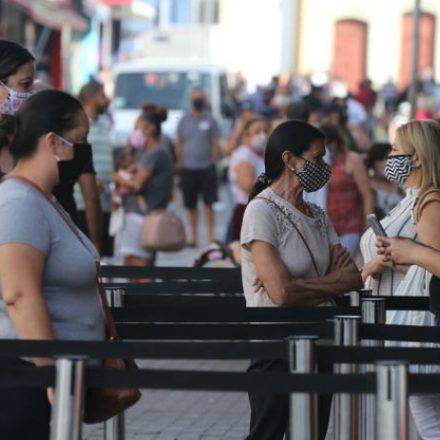 Campinas volta a fechar comércio de rua e shoppings