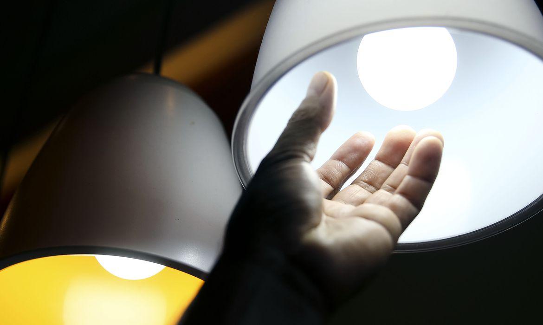 Empresas poderão voltar a cortar luz de devedores, em agosto