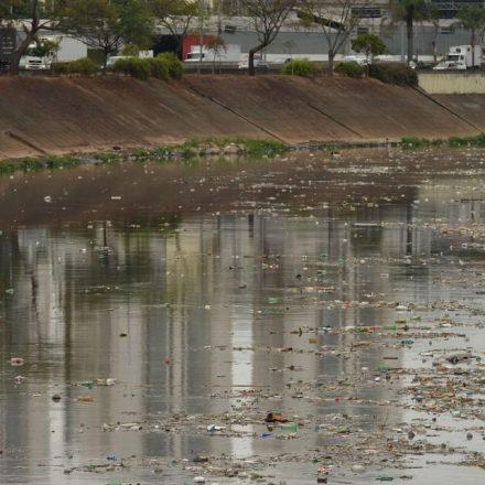 Pesquisa diz que Rio Tietê ainda tem 150 km de água imprópria para uso