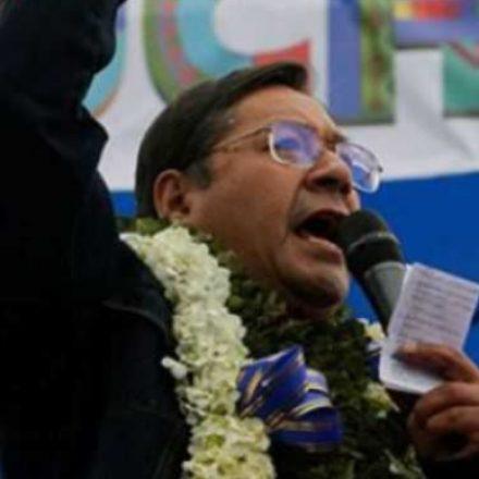 Governo brasileiro surpreende ao parabenizar Luis Arce, eleito na Bolívia