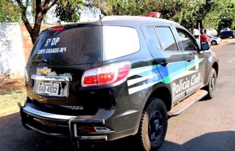 Mãe e filho confessam assassinato e esquartejamento de chargista