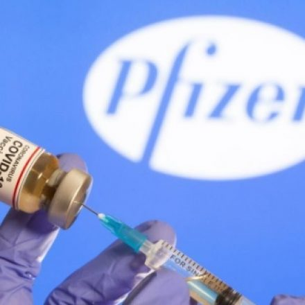 Mais 2,2 milhões de doses da Pfizer chegam via Viracopos