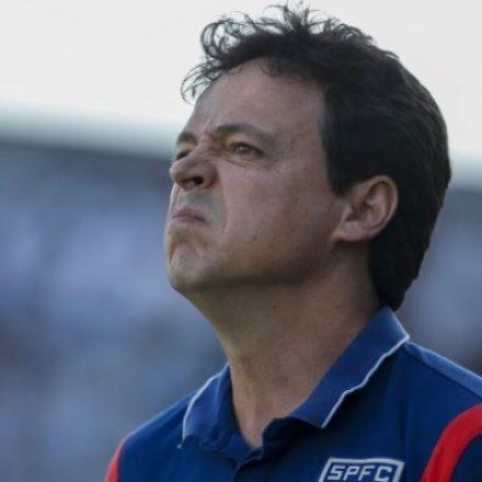 Fernando Diniz assumirá o comando do Santos