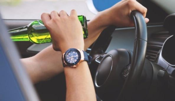 Projeto prevê que motoristas embriagados reembolsem o SUS se provocarem acidentes