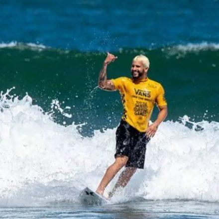 Ítalo derrota Medina, vence etapa na Austrália e vira líder no Surf
