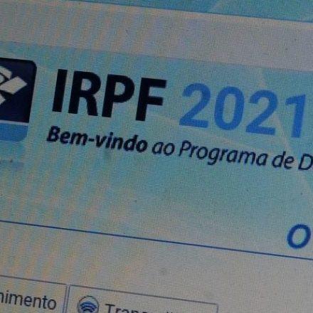 Bolsonaro veta projeto que adiaria envio do Imposto de Renda até julho