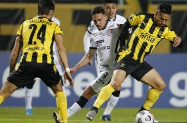 Corinthians é goleado e eliminado da Copa Sul-Americana