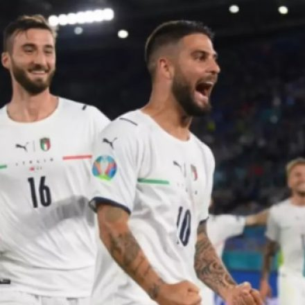 Itália domina a Turquia e vence com tranquilidade na abertura da Eurocopa