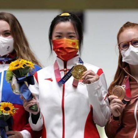 Em Tóquio, primeira medalha de ouro é de chinesa