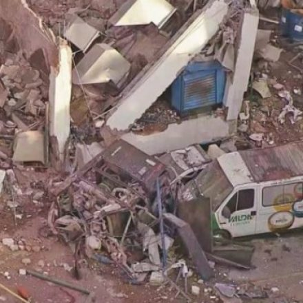 Explosão em fábrica deixa cinco feridos no Rio