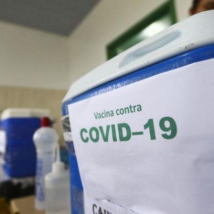 Brasil tem a menor média móvel de mortes desde o início da pandemia