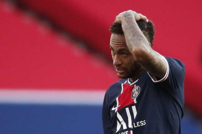 Neymar liga para o PSG e explica declaração polêmica